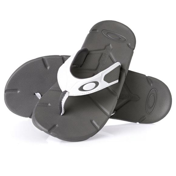 02a03ca8e565 New Oakley factory lite sandals men s size 14